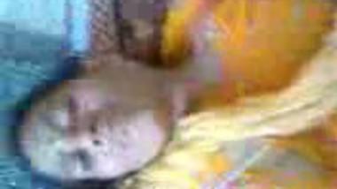 Desi aunty in saree hard fucked