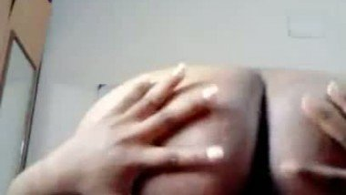 Free porn fingering act of chubby Tamil girl
