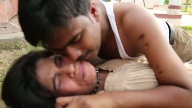 Desi girl group sex with friends in B-grade movie