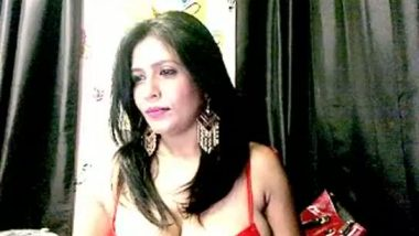 Big boobs aunty nude cam chat exposure