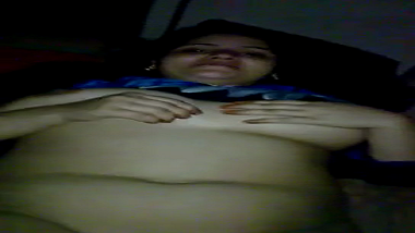 Busty Himachal bhabhi exposes naked body to devar
