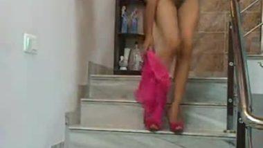 Gujarati teen girl exposed her nude figure on demand