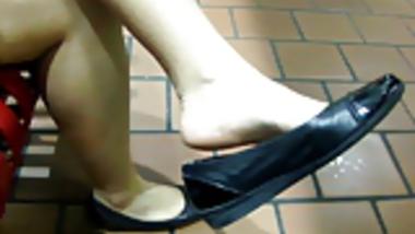 Priya Thick leg shoe dangle for me!!!!