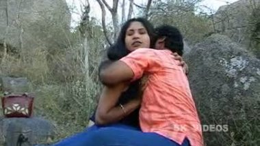 Tamil bhabhi outdoor sex with hubby's friend