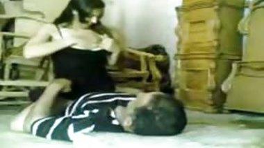 Desi home made porn video of a curvy babe riding penis