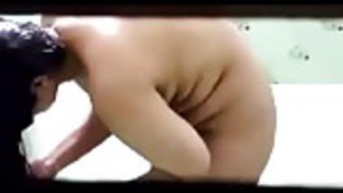 Indian Girlfriend Hidden Cam Bathing Nude