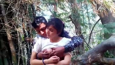 HD outdoor teen Indian porn gone viral