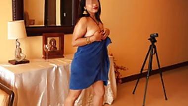 Indian Aunty 1443