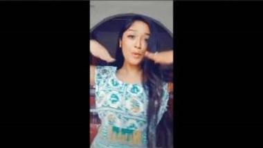 Desi Girl Flashing Pussy Accidentally In TikTok