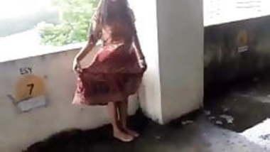 Mallu exhibitionist on public place