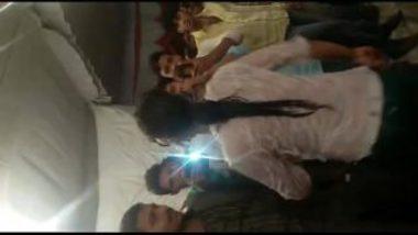 Desi Mujra By Hottie On Stage