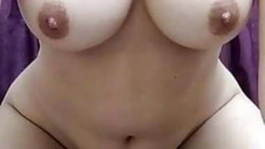 Beautiful chubby girl teasing on cam