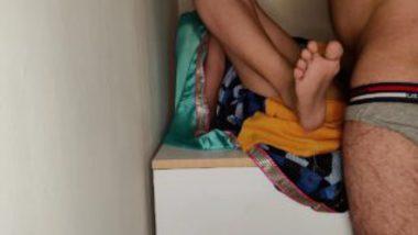 Sexy Bhabhi Pulling Saree Up Gets Cunt Banged Hard