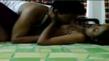 Sexy Marathi Aunty Having Wild Action With Husband's Manager