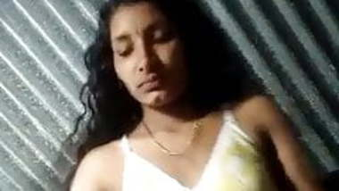 Desi teen showing pussy and boobs