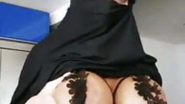 Muslim women got big boobs