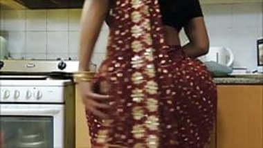 Indian bhabhi's HUGE ass 2