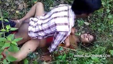 Desi Bhabhi Nude Boobs Pressed Hard by Old Man Video -- www.jojoporn.com