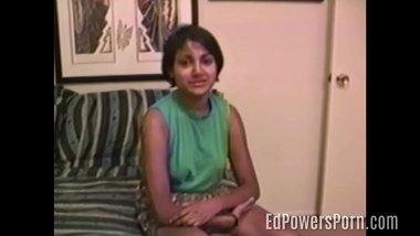 Indian amateur in vintage porno sucks cock