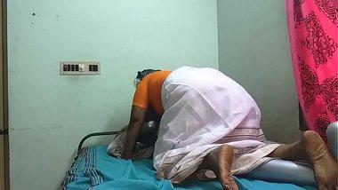tamil aunty telugu aunty kannada aunty malayalam aunty Kerala aunty hindi bhabhi horny desi north indian south indian horny vanith wearing saree schoo