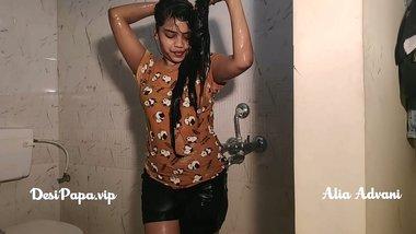 desi indian top model Alia Advani from punjab taking shower