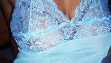 Sri lankan quick blow job and masturbate finger sexy pussy   හදිස්සියට කටට අරන් ඇගිල්ල ගහගන්න ශානි