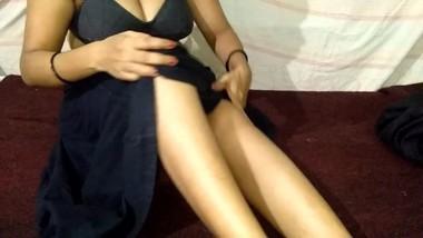 Fucking Desi Indian Girlfriend At Her Home गर्लफ्रेंड की घर में चुदाई