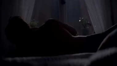 Bollywood kriti sanon hot bed scene kissing