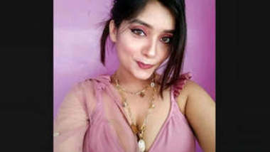 Gorgeous Sexy Desi Girl Teasing And showing Cleavage