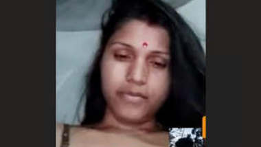 Assamese Boudi Showing Boobs on Video Call