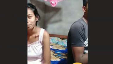 Sri Lankan Horny Cute Couple Doing Wild Show With Their Nasty Family