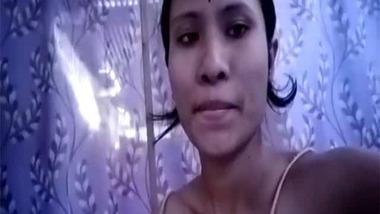 Assamese hairy pussy show selfie MMS video
