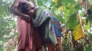 Bangla Bhabi Affair With Debar Blowjob & Fucking In Banana Khet