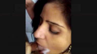 Desi Bhabi Giving Blowjob With Cum