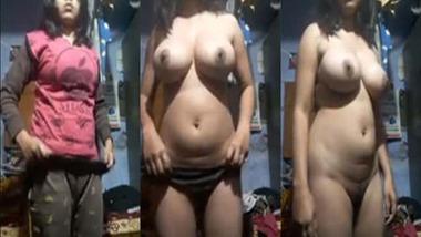Desi sexy nude selfie video taken for her lover