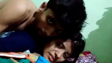 Super cute young Indian lovers ki sex video