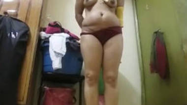 indian bhabhi record nude selfie for bf