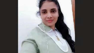 Hot Lankan Girl Node Show