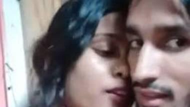 Desi farmhouse staff with his GF sex video