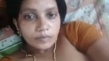 Big treasure boobs of Mallu aunty