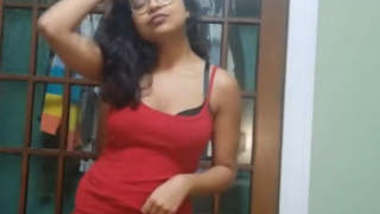 Sexy Indian Girl Nude Video Part 1