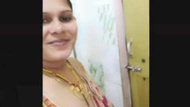 Indian desi bhabhi bathing vdo lacked
