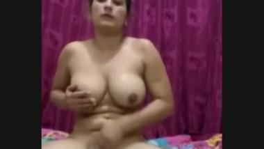 DESI INDIAN GIRL LIVE MASTERBATING FOR FANS