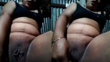 Unsatisfied Desi Married Horny Bhabi Applying Coconut Oil In Pussy And Masturbating With Cucumber