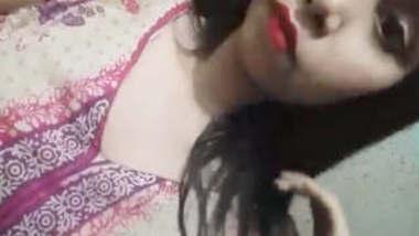 Beautiful Bangladeshi Sexy Girl Make Video For Lover