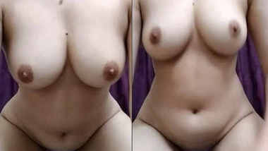 hot pakistani girl showing her assets to online fans