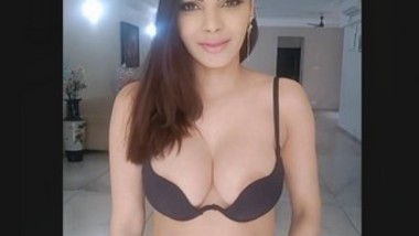 Big boobs Sherlyn Chopra