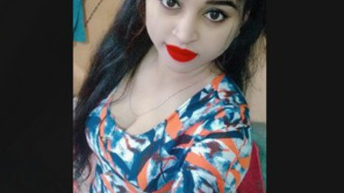 Boudi Showing Her Boobs on Video Call