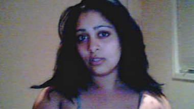 Des Horny Nri Bhabhi On Cam Part 1