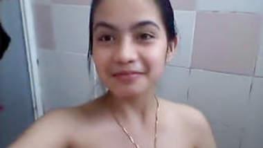Beautiful Desi Girl Shows Naked Body